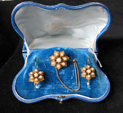 Gold and Oriental Pearl Brooch