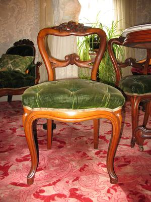 Tufted Green Velvet Chair