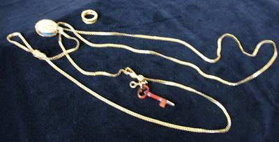 Woman's Square Gold Neck Chain with Gold Locket