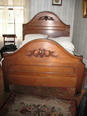 Black Walnut Bedstead