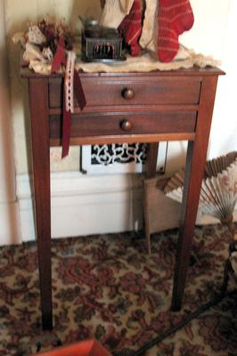 Cherry Hepplewhite End Table